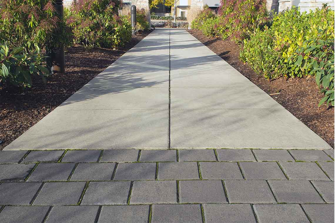 commercial hardscape walkway