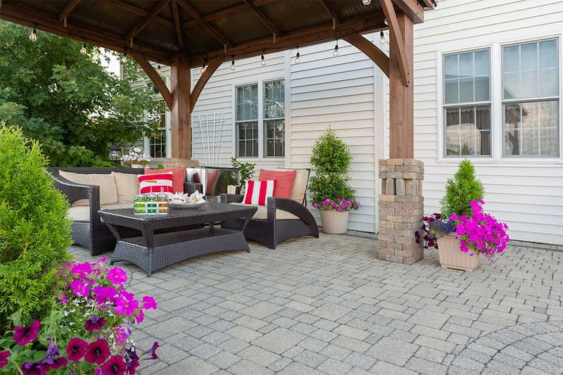 residential landscaping patio pavers